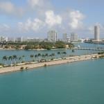 Maior navio de cruzeiro do mundo parte de Miami para sua viagem inaugural pelas Américas