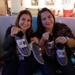 Maria Claudia Oliveira, e Adriana Meireles, da Lafuente, no noliche