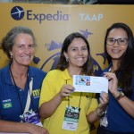 Mariana Garcia, da Expedia TAAP, entre Mari Masgrau e Juliana Barbosa, do M&E