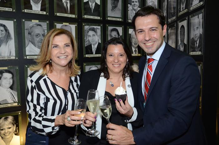 Marta Rossi e Eduardo Zorzanello, do Festuris, e Jaqueline Rodrigues, da MGM