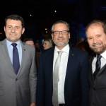 Tufi Michreff Neto, secretário de Turismo de SC, Bob Santos, do MTur, e Guilherme Paulus, da GJP