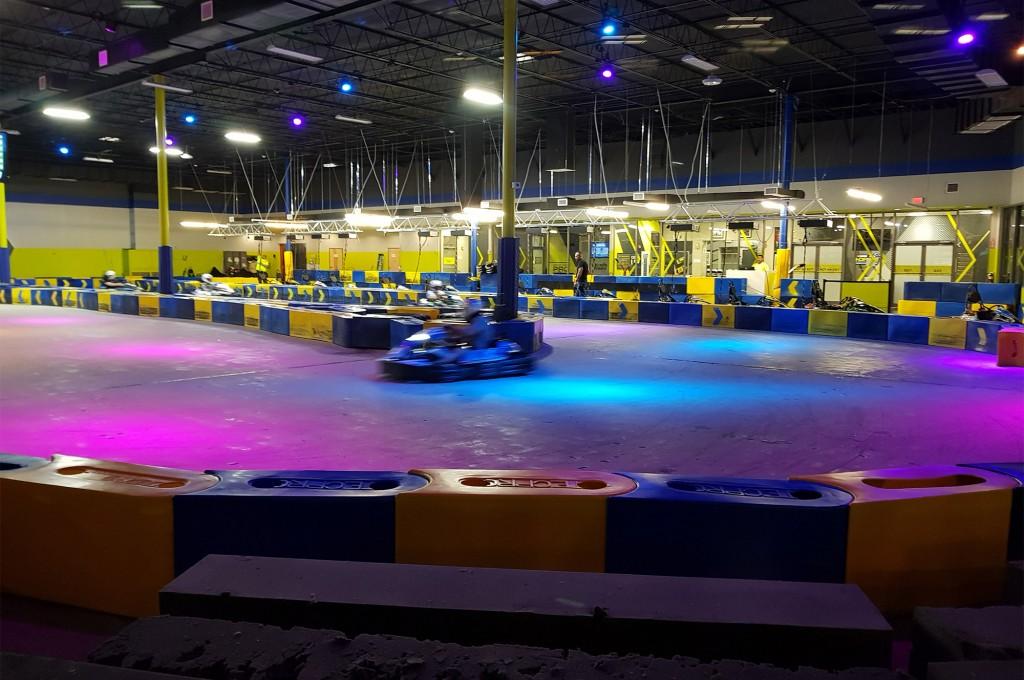 Nascar I Drive conta com pista de kart indoor