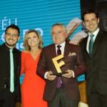Ramón Behamonde, prefeito de Puerto Varas, recebeu o troféu Amigos do Festival