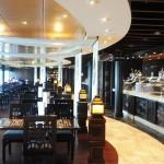 Restaurante no estilo bufê fica aberto 20 horas por dia