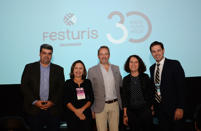 Richard Alves, da PSP Resort, Ana Clévia Guerreiro, do Sebrae, Pere Perugorria, da Barcelona Media, Tânia Brizola, e Eduardo Zorzanello, do Festuris