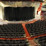 Teatro La Vanguardia com capacidade para 1600 hóspedes
