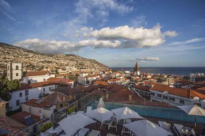 Vista de Funchal - Credito Turismo da Madeira