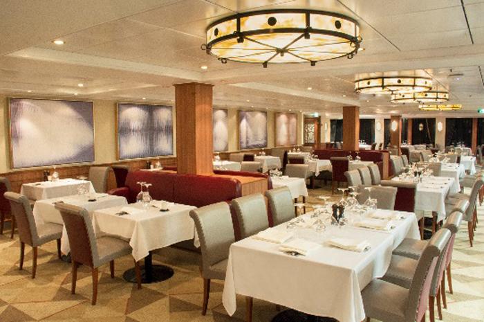 Restaurantes e bares do Norwegian Jewel foram reformados