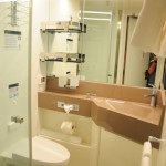 Banheiro da cabine interna do MSC Seaview