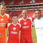 Cercado de craques em um dos Amigos da Trend, com Junior Baiano, Marcos Assunção e César Sampaio