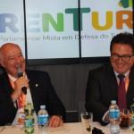 Herculano Passos, da Frente Parlamentar de Turismo, e Vinicius Lummertz, ministro do Turismo