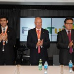 Herculano Passos, presidente da Frentur, entre Marcelo Álvaro, futuro ministro, e Vinicius Lummertz, atual ministro do Turismo
