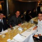 Ignacio Hidalgo, da MSC, com Luiz Carlos Oliveira e Lucas Cerqueira, da Klas Viagens