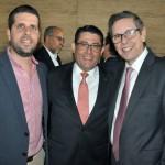 Luiz Teixeira, da Delta Airlines, entre Daniel Castanho e Cassio Oliveira, da Ancoradouro