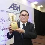 Manoel Linhares, presidente da ABIH Nacional, foi eleito a Personalidade do Turismo de 2018 pela ABIH-CE