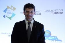 Ministro do Turismo afirma que governo quer dar incentivo fiscal para empresas de turismo