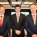 Marcelo Álvaro, futuro ministro do Turismo, entre Bob Santos, do MTur, e Herculano Passos, da Frentur