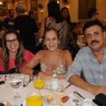 Rafaella e Denize Andrade, da Spitur Turismo, e Michel Saad, da MS Viagens