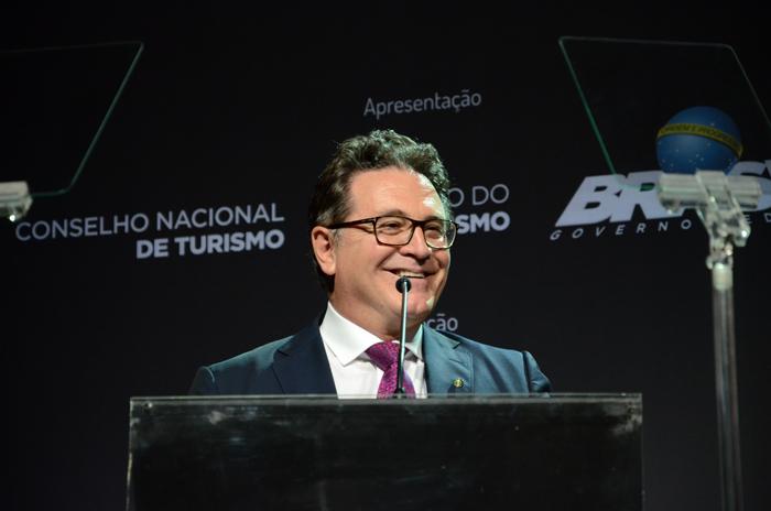 Vinicius Lummertzs, ministro do Turismo