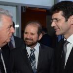 Walfrido dos Mares Guia, primeiro ministro do Turismo do Brasil, Guilherme Paulus, da GJP, e Marcelo Álvaro, futuro ministro do Turismo