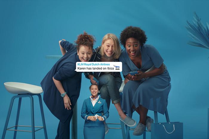 """O """"Family Updates"""" permite que o passageiro crie um grupo com amigos e familiares no aplicativo; funcionalidade informará seus membros sobre o status do voo"""