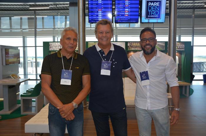 Os ídolos Éder Aleixo, do Atlético Mineiro, Raul Plasmman, do Cruzeiro e Wellington Paulo, do América, estiveram presentes na inauguração