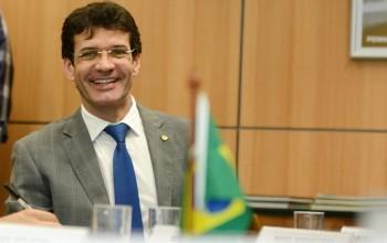 Novo ministro assume e quer Turismo nas agendas política e econômica do governo