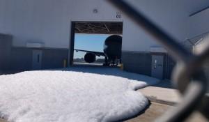 Calor aciona sensores contra incêndio no hangar da American em Guarulhos