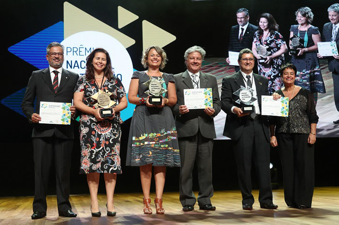 Vencedores da categoria são condecorados no 1º Prêmio Nacional do Turismo. Foto: Roberto Castro/MTur
