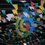 Colorido das bandeirinhas caipiras e da roda gigante dão luz e vida à Quermesse