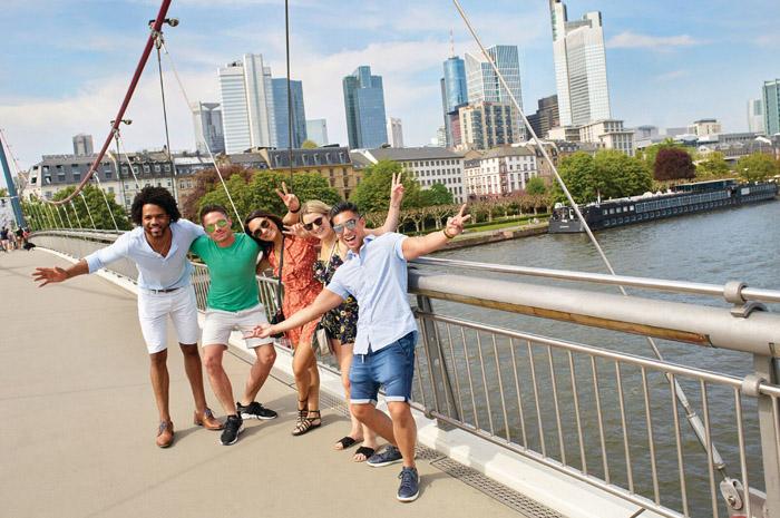 Emendar as datas festivas com as férias é uma ótima pedida para navegar e desvendar o melhor de países como Holanda, França, Áustria e Hungria por preços vantajosos