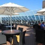 Espaço ao ar livre exclusivo dos clientes Yacht Club