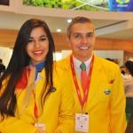 Kananda Almeida e Leonardo Esch fizeram a recepção aos convidados no estande do Brasil