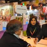 Lara Siqueira e Thiago Azeredo, da Journeys, em reunião durante a Fitur