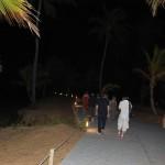 Orla da Costa à noite. Iluminação discreta para não confundir tartarugas marinhas na época da desova