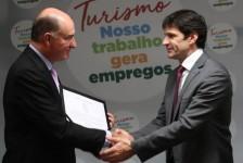 Cidade de Muriaé (MG) recebe Selo Oficial +Turismo do ministro Marcelo Álvaro