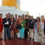 Vinicius Costa e Michel Saldanha (nas pontas), da Costa Cruzeiros, com agentes e operadores convidados