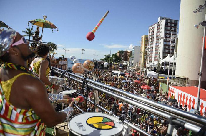 Salvador atrai multidões apesar de possuir um dos carnavais mais caros do Brasil (Foto: Arquivo/Agência Brasil)