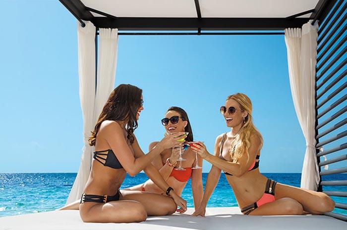 Atualmente, a administradora opera 53 resorts all inclusive, com estabelecimentos localizados no México, República Dominicana, Jamaica, Panamá, Costa Rica e Curaçao