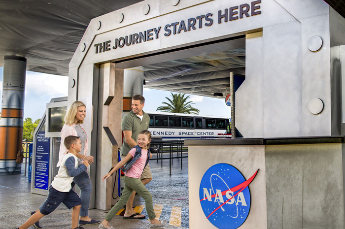 O complexo de visitantes da NASA volta a oferecer Tours de Interesses Especiais nesta terça-feira