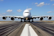 Emirates aposenta primeiro A380 de sua frota