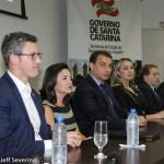 Autoridades durante a posse de Flavia Didomenico
