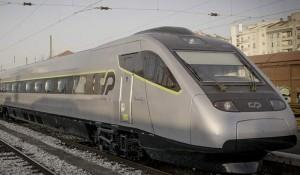 Promoção da Comboios Portugal oferece tarifas de 5 euros entre Lisboa e Porto