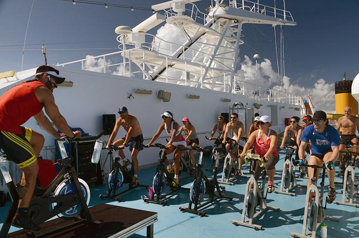 Hóspedes terão aulas de bike no cruzeiro Fitness
