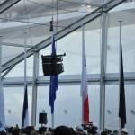 Durante a cerimônia, as bandeiras do fabricante e da França foram recolhidas ao som do hino nacional francês enquanto as bandeiras da Itália e da companhia foram hasteadas