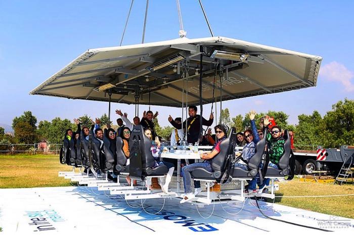 Hard Rock Hotel & Casino Punta Cana oferece jantar para 22 pessoas a cerca de 45 metros do chão