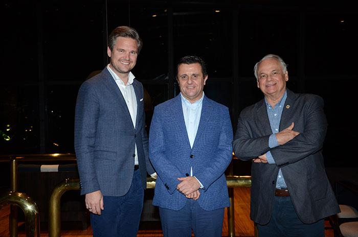 Finn Ackermann, Aurelio Vázquez e Orlando Giglio - Grupo Iberostar apostará em um trabalho mais próximo da equipe brasileira junto às agências de viagens. (Foto: Eric Ribeiro)