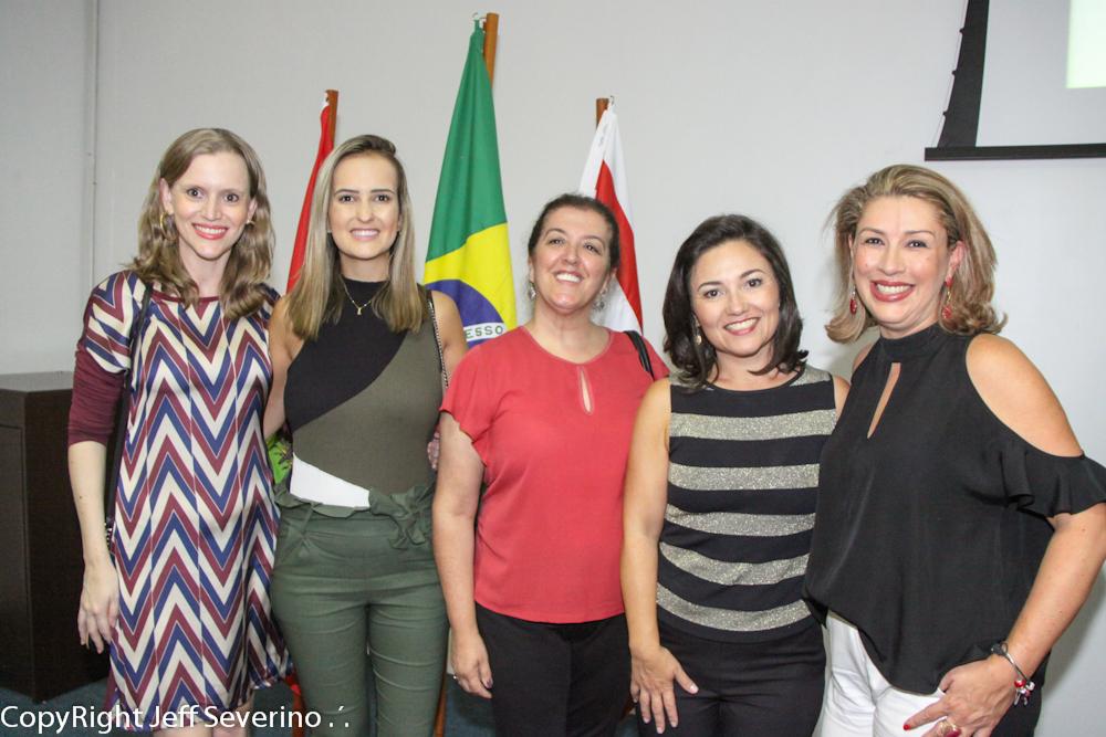 Flavia entre a equipe do Conventions de Balneário Camboriú