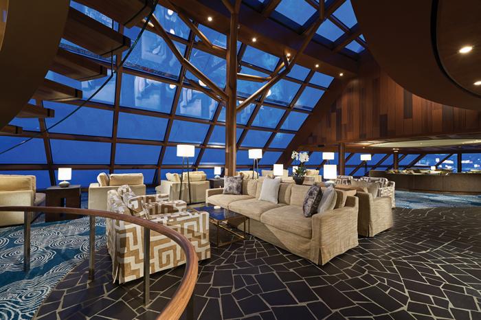 Lounge de observação do Norwegian Bliss