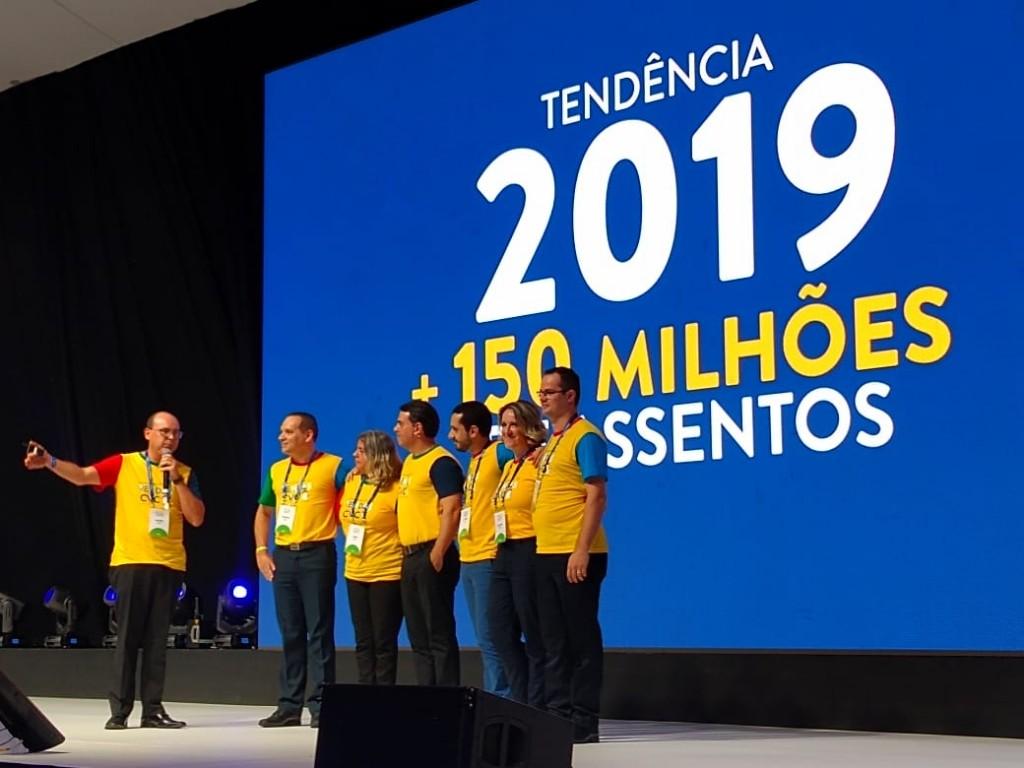 Mader apresenta o time de aéreo com os Diretores- Luiz Viveiros e Lucimar Reis, além dos gerentes Vicente Brasil, Sueli Ruotolo e Fábio Belém